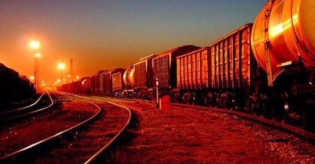 Phân tích hình ảnh chuyến tàu đêm trong Hai đứa trẻ
